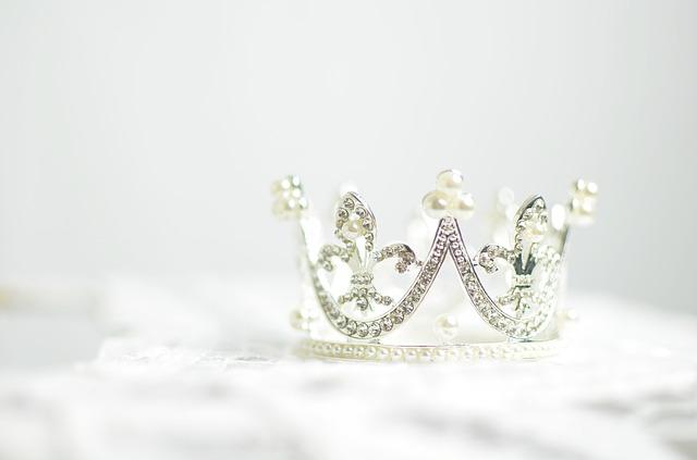 crown photo